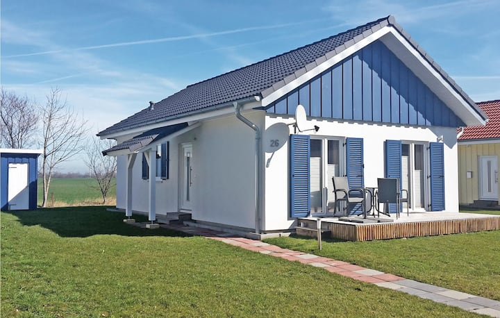 Holiday cottage with 2 bedrooms on 61m² in Altefähr/Rügen