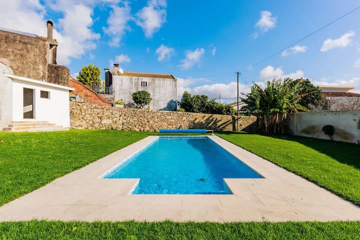Villa POVOA DE VARZIM piscine 4suites tout confort