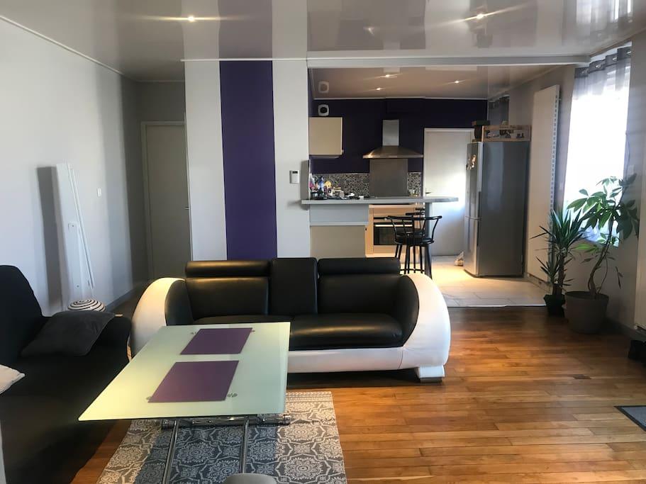 Appartement t3 spacieux proche centre ville appartements for Appartement meuble chalon sur saone