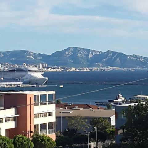 T3 terrasse 30m2 vue mer et Marseille - Marselha - Apartamento