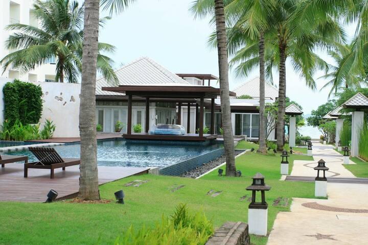 The Beach House (Private Beach)