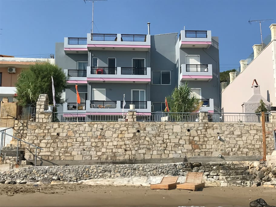 The sea side of the building. Apt4 is the lower-right balcony (tree is covering it). It is actually 1st floor (above garden level).