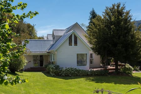 ROCHDALE HOMESTEAD a B&B  apartment on your way ? - Canvastown - Bed & Breakfast
