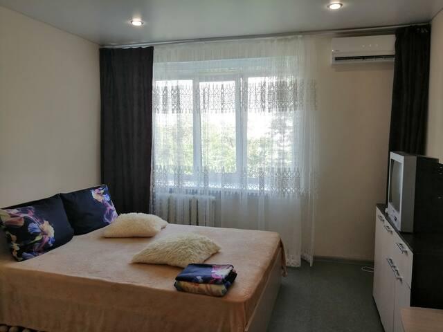 Квартира - студия, рядом с катком Кристалл
