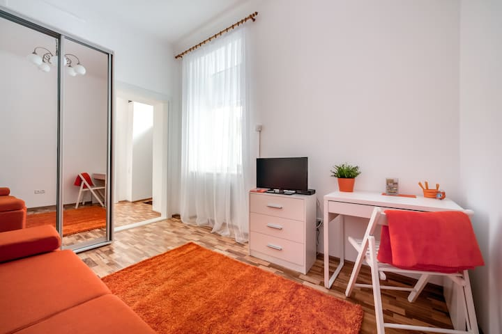 Completely NEW place 10 min to city center - Lemberg - Wohnung