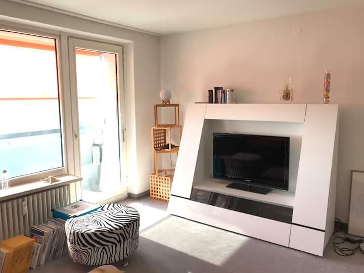 Schöne 2 Zimmerwohnung mit Alpenblick und Pool