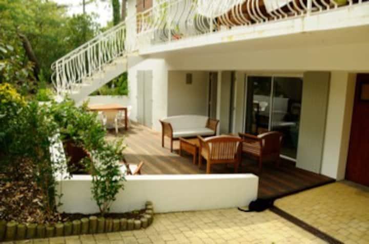 Appartement dans Villa