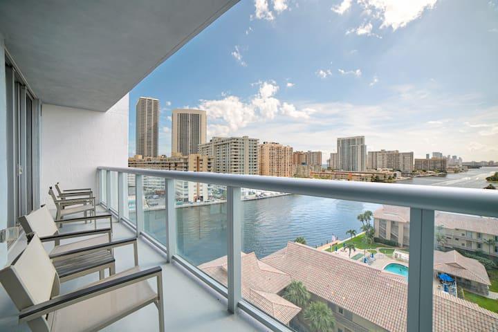 MIAMI / Hallandale Beach Luxury unit in a Resort !