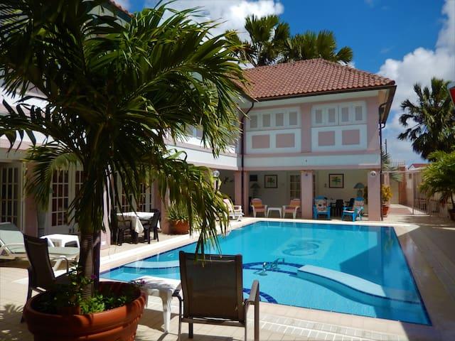 Kamerlingh Villa - Private Room 1-4