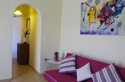 Cozy and homely apartment w/free parking - wifi