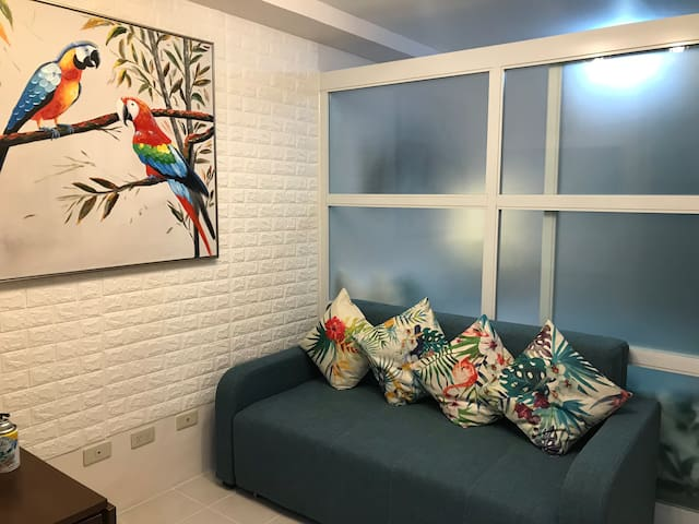 JLPLAY4 homey 1 BR condo with Taal lake view