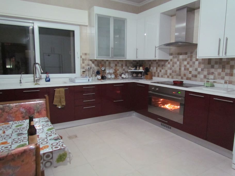 Kitchen, suitable for cooking