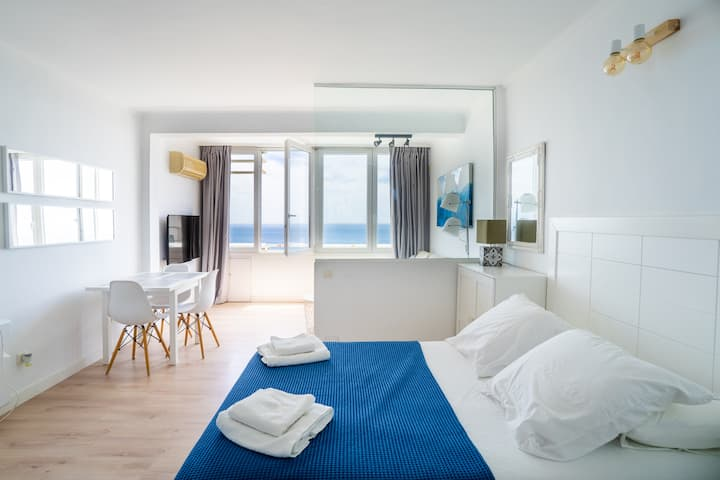 Trendy Homes Paradise. Impresionante vista al mar