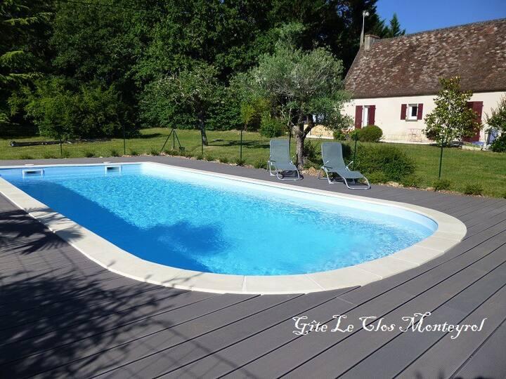 belle maison avec piscine et Jacuzzi 4 à 6 pers