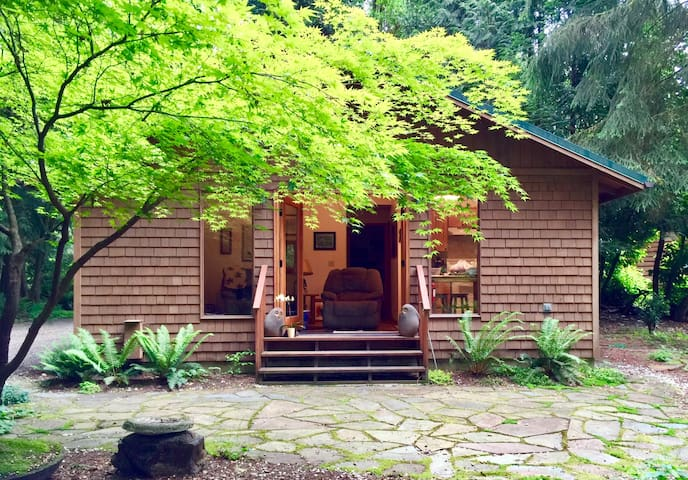 Creekside Cabin - Woodinville - Talo
