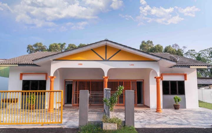 Orange Home Stay Villa 1 (Semi-D)