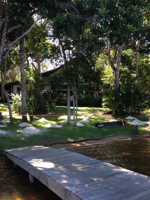 Jardim com casa
