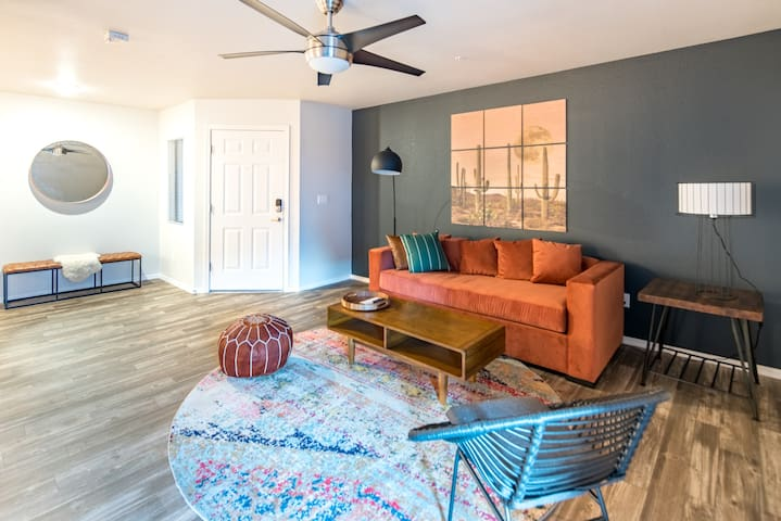 WanderJaunt | Vaughn | 3BR | Downtown Gilbert