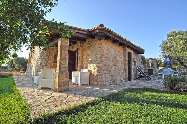 Renovated Trullo just a few meters from the sea