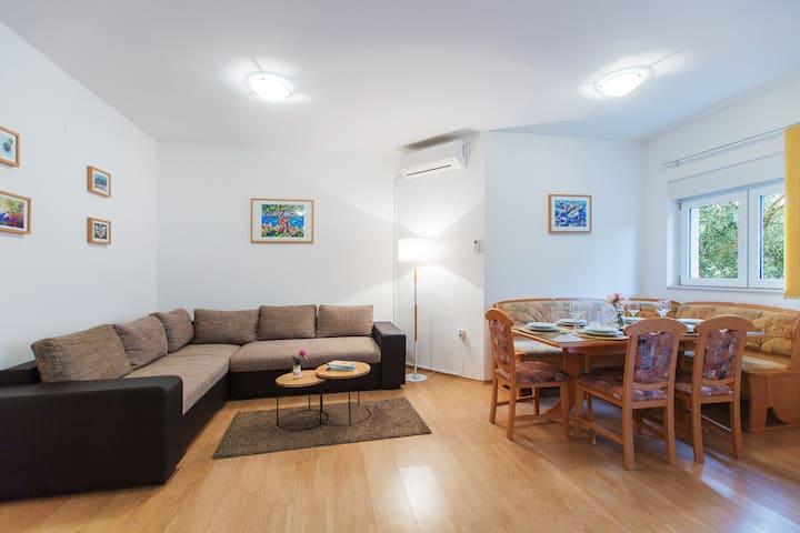 Maiv Apartments, Apartment Smokvica Vela