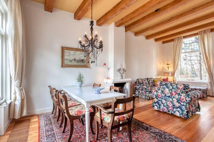 Fairly priced rural family villa close to Amsterdam & Utrecht