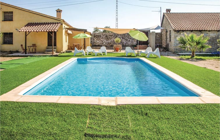 Holiday cottage with 8 bedrooms on 265m² in Villanueva del Duque