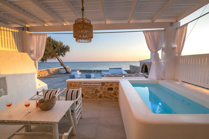 Elegant Suite Outdoor Jacuzzi Aegean Melody Suites
