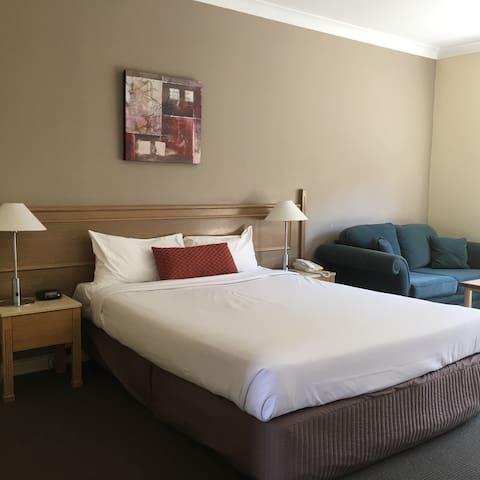 Comfortable Bedroom with Bathroom - Dandenong
