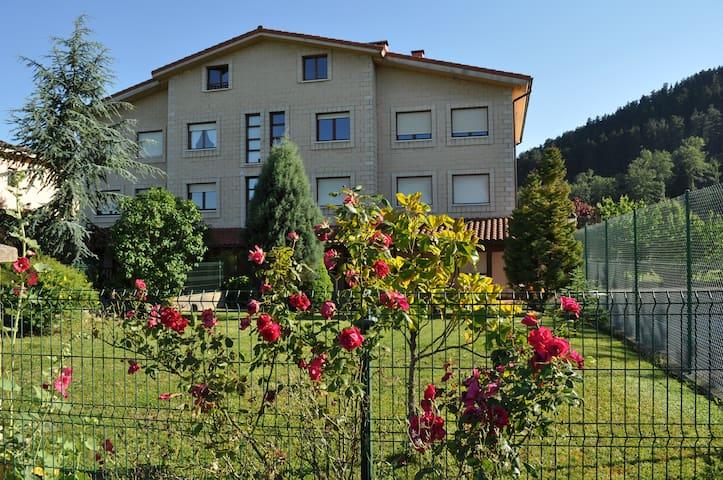 Casa en un valle con encanto - Respaldiza