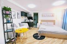 猫舍小屋 白色空间 江汉路 汉口江滩 恬静 一居室 影院房 夏日清凉