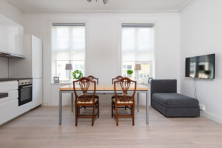 Karl Johan in 5min walk | Newly redecorated | 8 Guests | Free citybikes