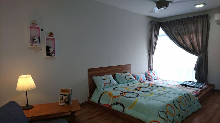 Spacious Bedroom+Private Bathroom #Free Wifi