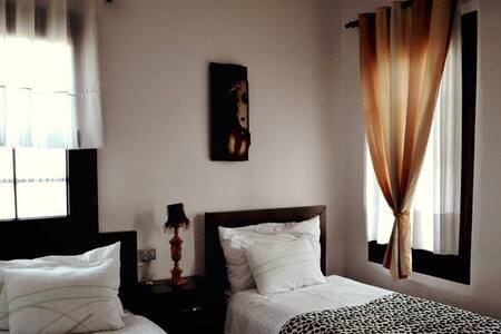 Hotel Belgrad Mangalem 205 - Bed & Breakfast