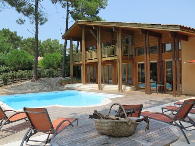 Villa 10 personnes piscine privée Lacanau Océan