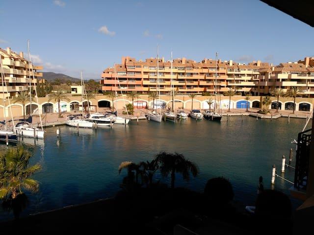 Luxury apartamen, Puerto Sotogrande - San Roque, Sotogrande. - Lejlighed