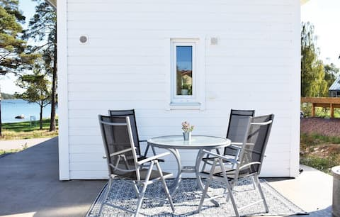 Cottage of 25 square meters with ocean view in Timmernabben.