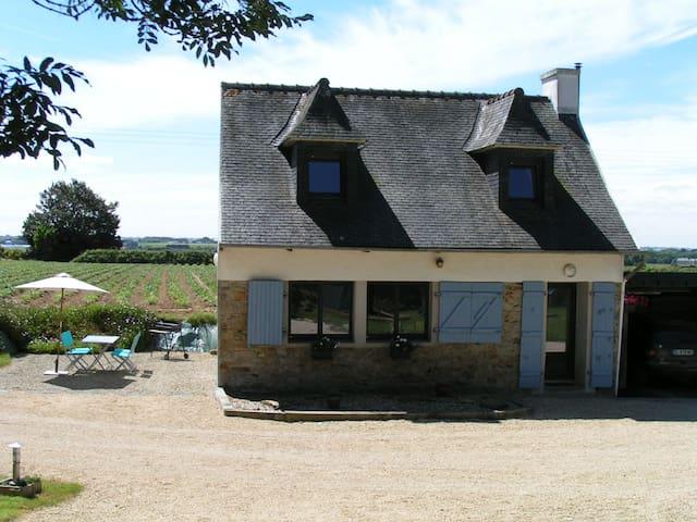 Gîte à Plouénan, situé entre Roscoff et Carantec - Plouénan - Casa