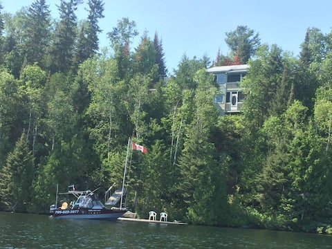 Check beautiful cliff side Temagami
