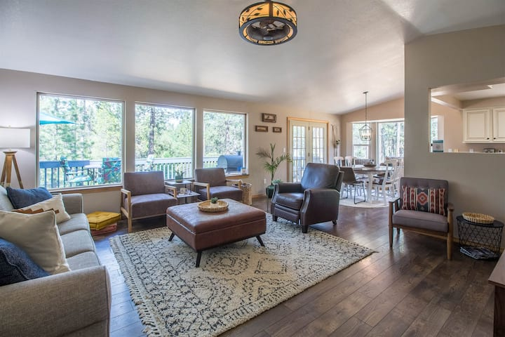 5 Min to Village*Beautiful Decor*Private Dock to Deschutes River Access*2 Kayaks