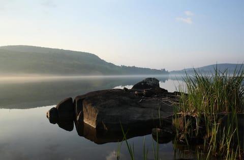 Gatineau River Retreat