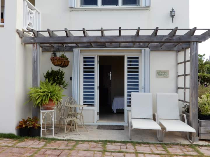 The Garden Room, Idyllic Space, Centrally located.