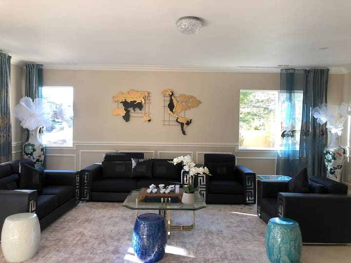 Gorgeous Large Space Near Wine Countries 7 Bedroom