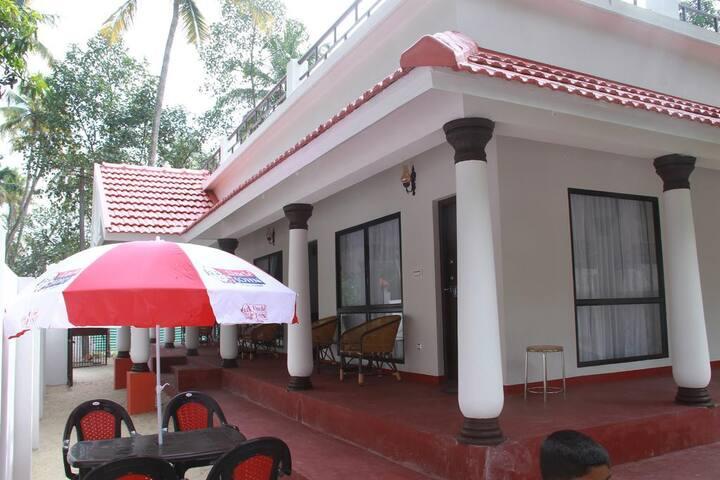 Beach side beautiful Homestay @ Marari - Mararikulam - Bed & Breakfast