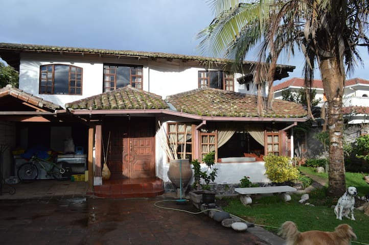 Hermosa Casa Campestre - Puembo - House