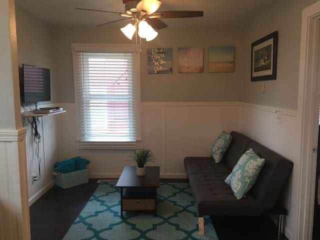 Private 2 bedroom by the beach