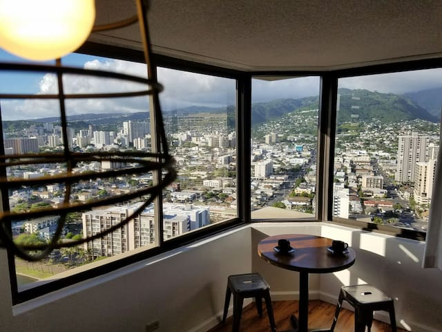A Room with a View - Honolulu
