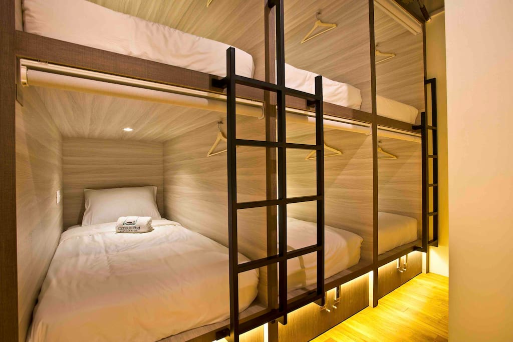 Capsule Bed for 10pax
