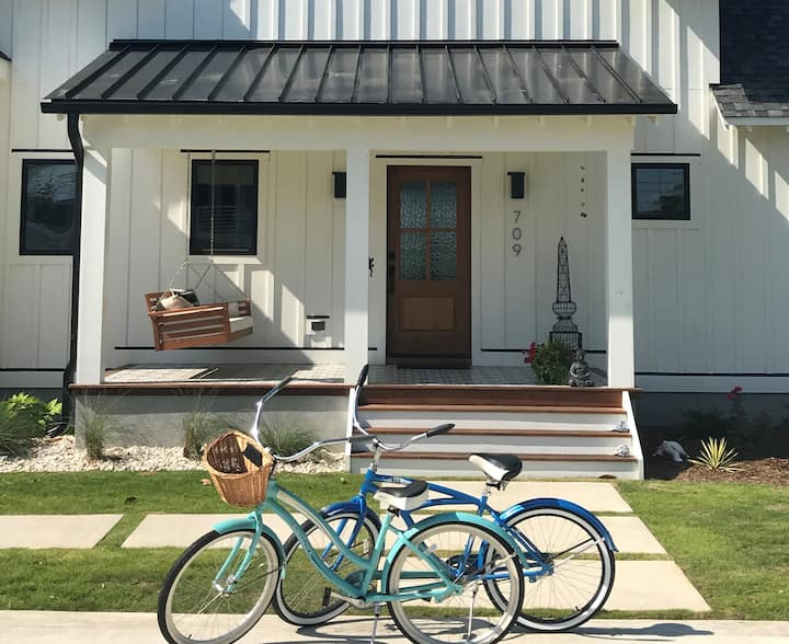 CBreeze: New Modern Farmhouse Private Guest Suite