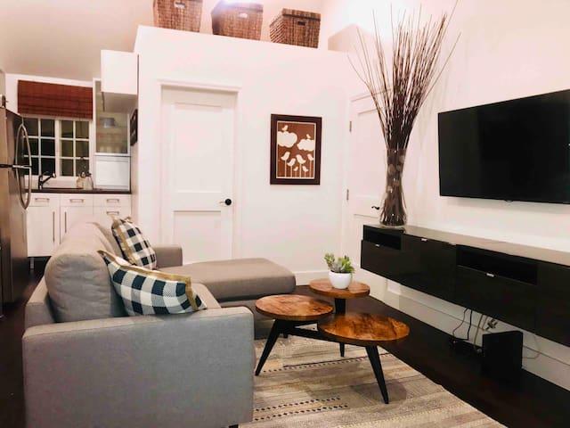 Prime neighborhood Guest House *Westwood*