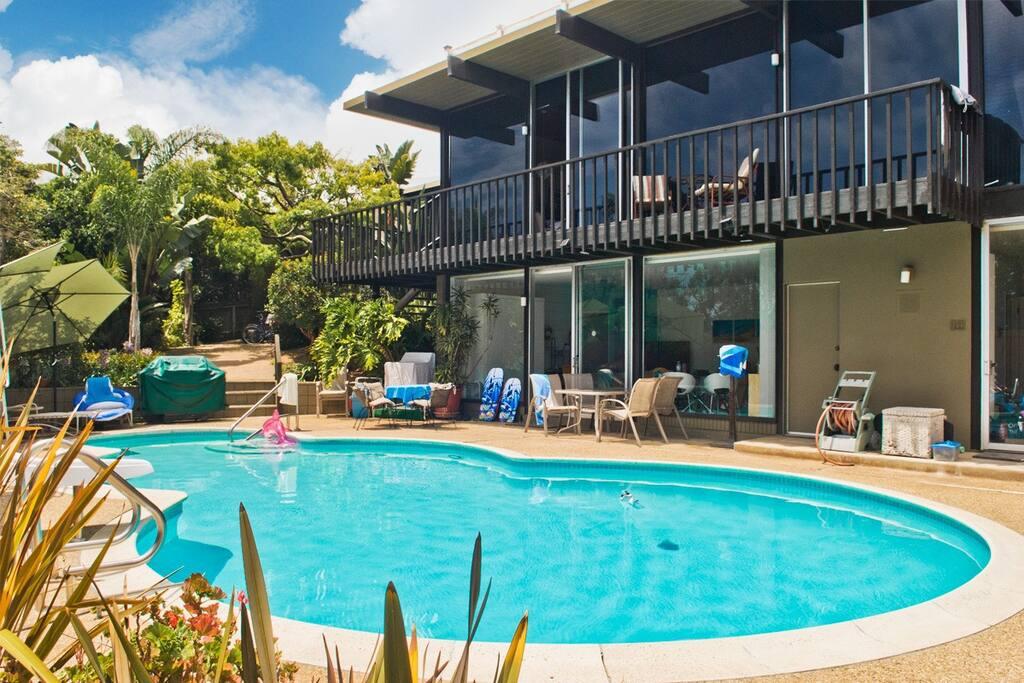 Classic California Mid-Century Pool House